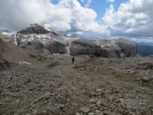 Crossing plateau bellow Piz Boe