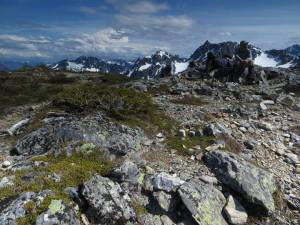 Trail along Sahale Arm