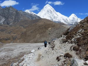 Last stretch before reaching Lobuche