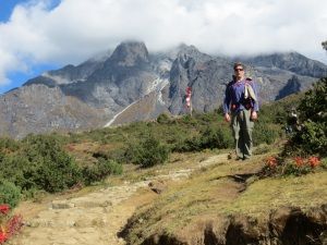 Flat ground, finally. Heading towards Khumjung