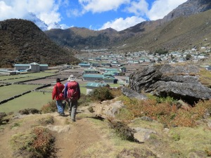 Nearing Khumjung, our lunch destination