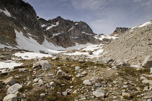 Route leading through a glacial moraine