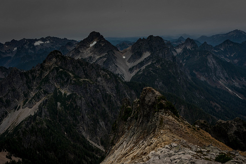 Amazing sights of the Cascade mountain range. We'll be back to savor them under a better weather.